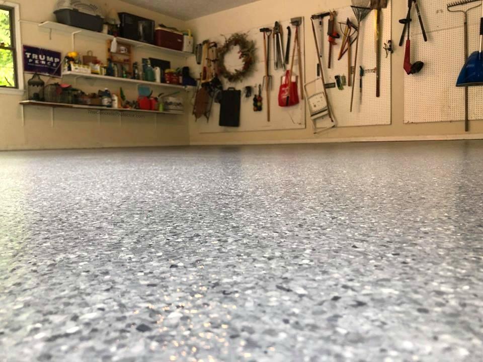 Hochwertige Beschichtung und Versiegelung des Garagenbodens mit Epoxidharz